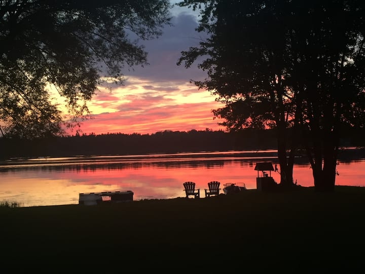 Sunset Cottage on the Richelieu River CITQ#302701