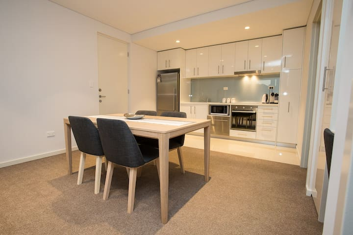 Luxury modern Apartment - Free WIFi and Netflix - Victoria Park - Byt