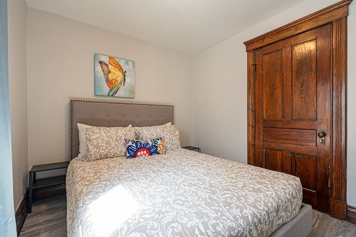3rd bedroom with queen size bed on 2nd floor