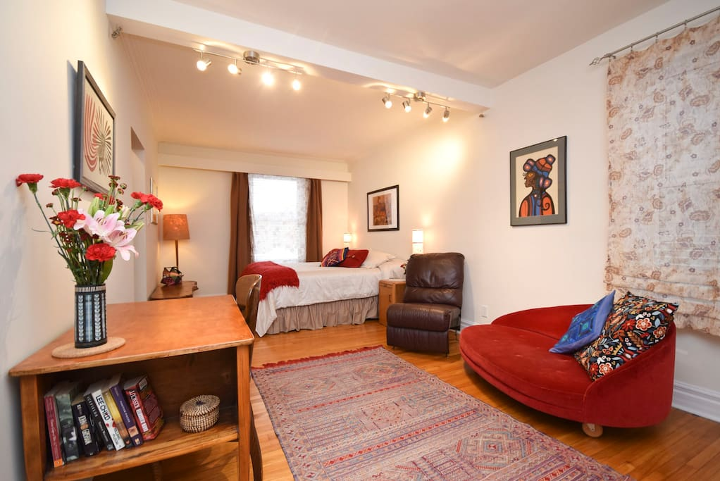 Bright, cozy and tastefully decorated home-away-from home.