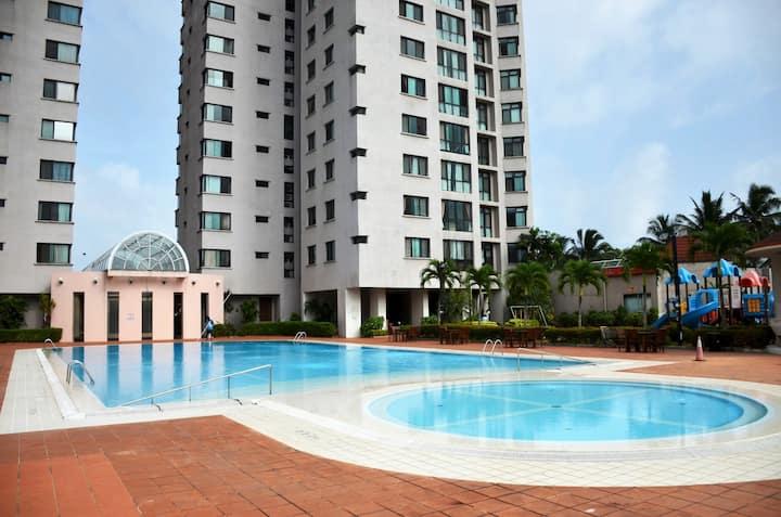 Royal Park Condo : 2Br Luxury Apartment A15-04