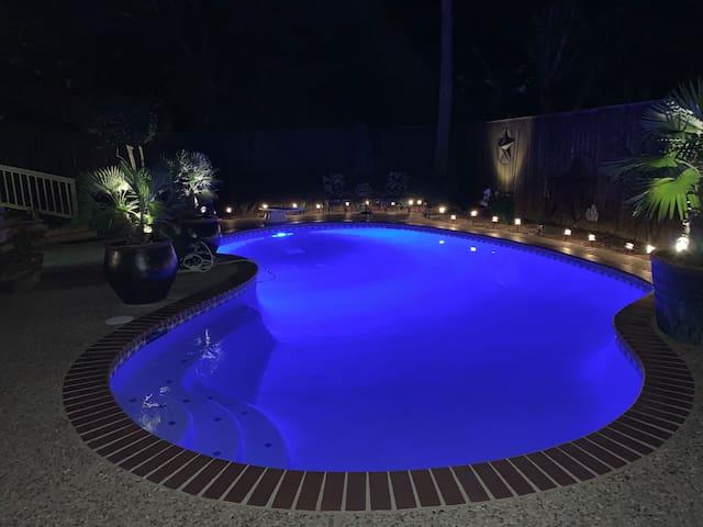Backyard Oasis in Quiet Family Friendly Cul-de-sac