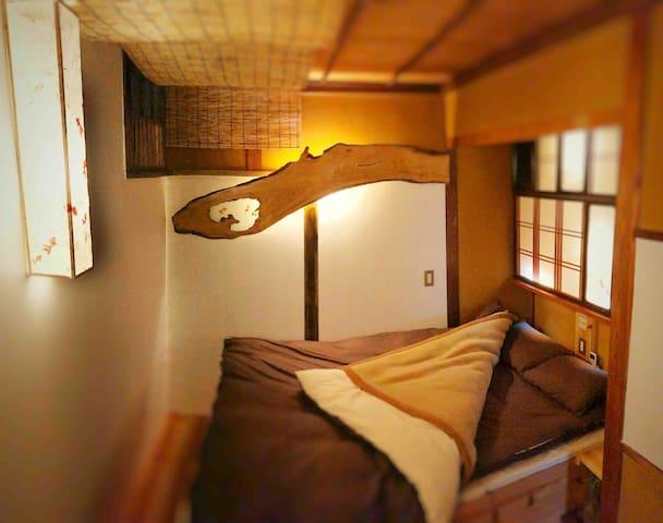 ダブルベッド個室/Double bed private room
