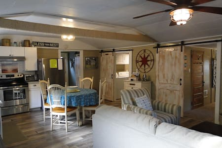 Crowe`s Nest - Adorable Beach Cottage Just outside of Ocean Shores
