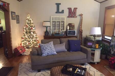 Cozy Home in Historic Neighborhood - Oklahoma City