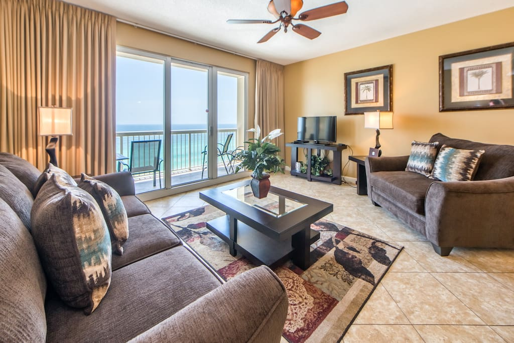 Spacious living room with gorgeous Gulf Views!