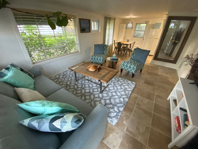 Addorable Guesthouse in prime Winter Park location