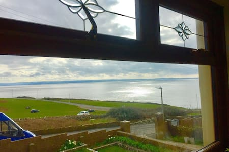 Ultimate Sea View - Large Bungalow - Ogmore-by-Sea - Haus
