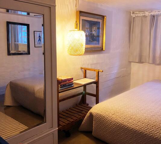 Gæsteværelse, kælder