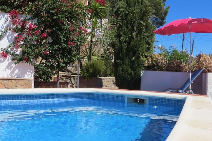 Maison familiale avec piscine et vue magnifique
