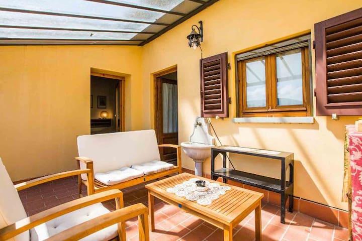 IRIS-4/6_Jacuzzi+self Breakfast - Bagno A Ripoli - House