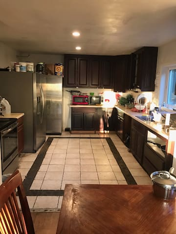 Cost Efficient Stay- Single room in Berkeley