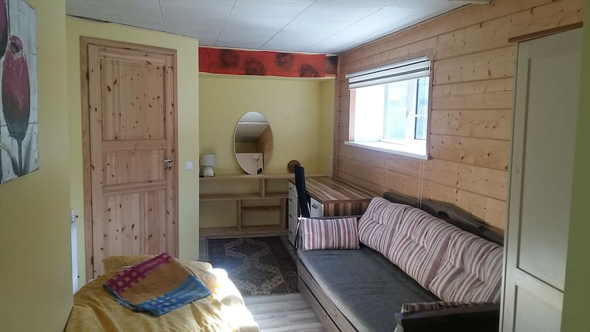 2-room apartment with a sauna and access to garden