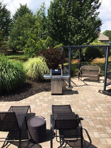 Brick Bungalow 2km from the Port Dover Beach.
