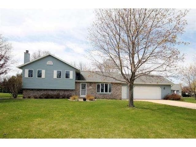 Home w/Picturesque Yard to Rent for EAA AirVenture