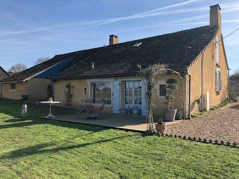 Chambres privées dans une maison à la campagne
