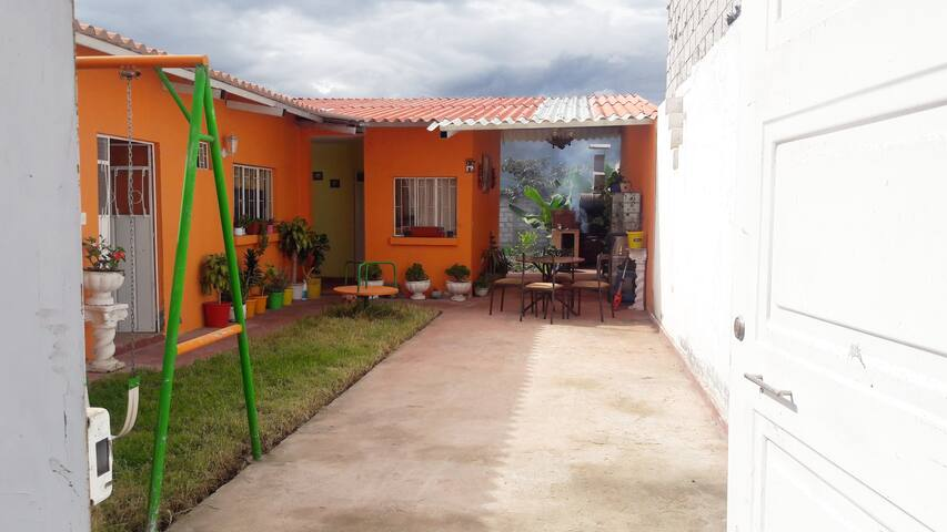 Hermosa Casa Vacacional  Atuntaqui-Ecuador