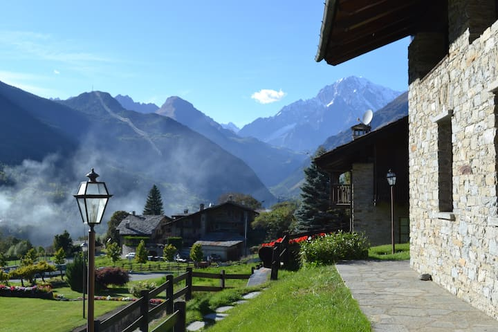 Spettacolare vista sul Monte Bianco - La Salle - Daire
