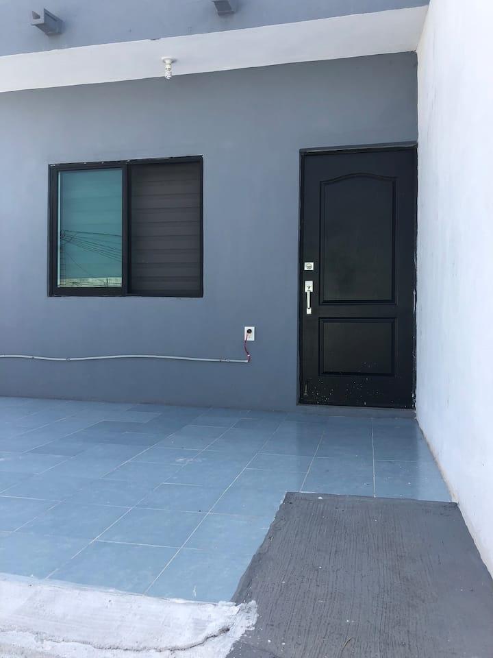 Bonita Habitación Independiente, Segundo piso.