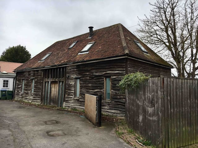 The Old Barn conversion on Hamble River