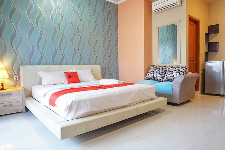 Comfy Suite Rooms near Kemang Square