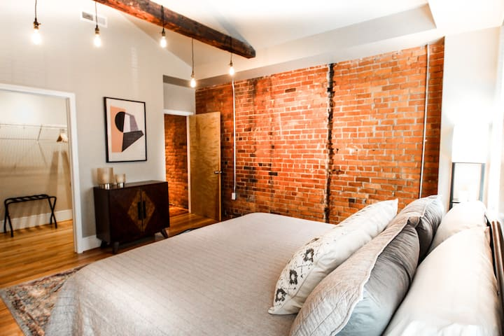 Kirk Ave C Loft in Downtown Roanoke