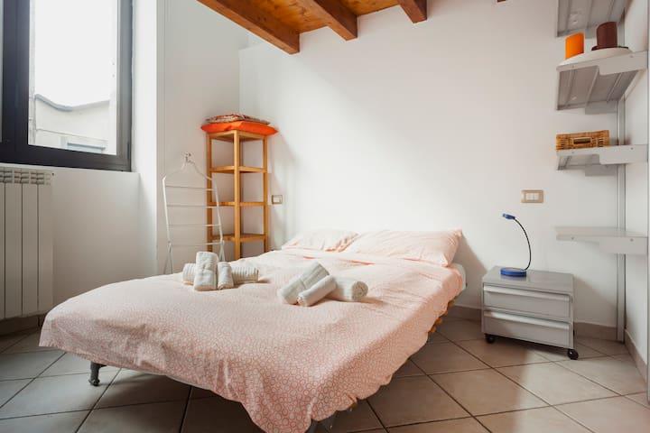 Trilocale in zona Bocconi/Navigli