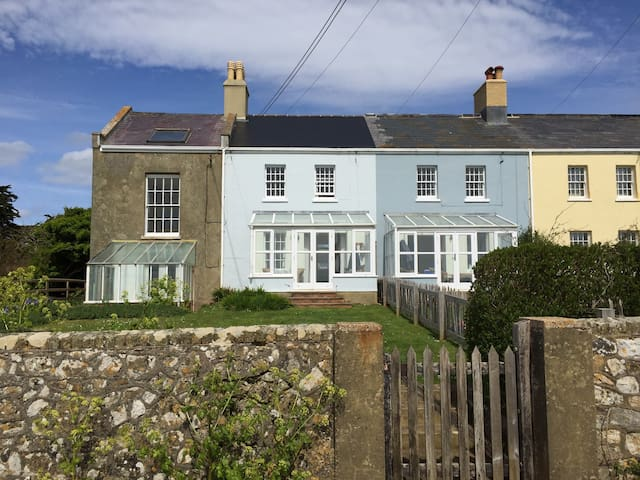 Coastguard Cottage with Stunning Sea View