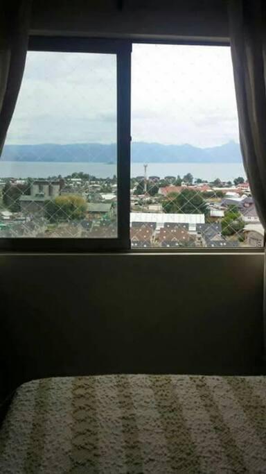 vista al lago desde dormitorio principal