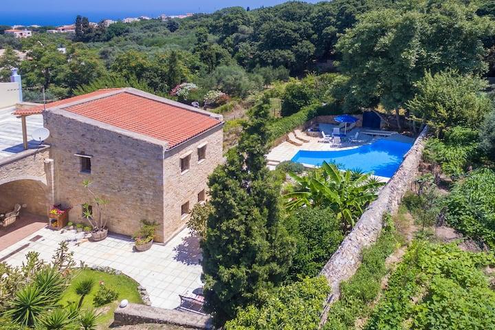 Villa Svega, historical house close to the beach!