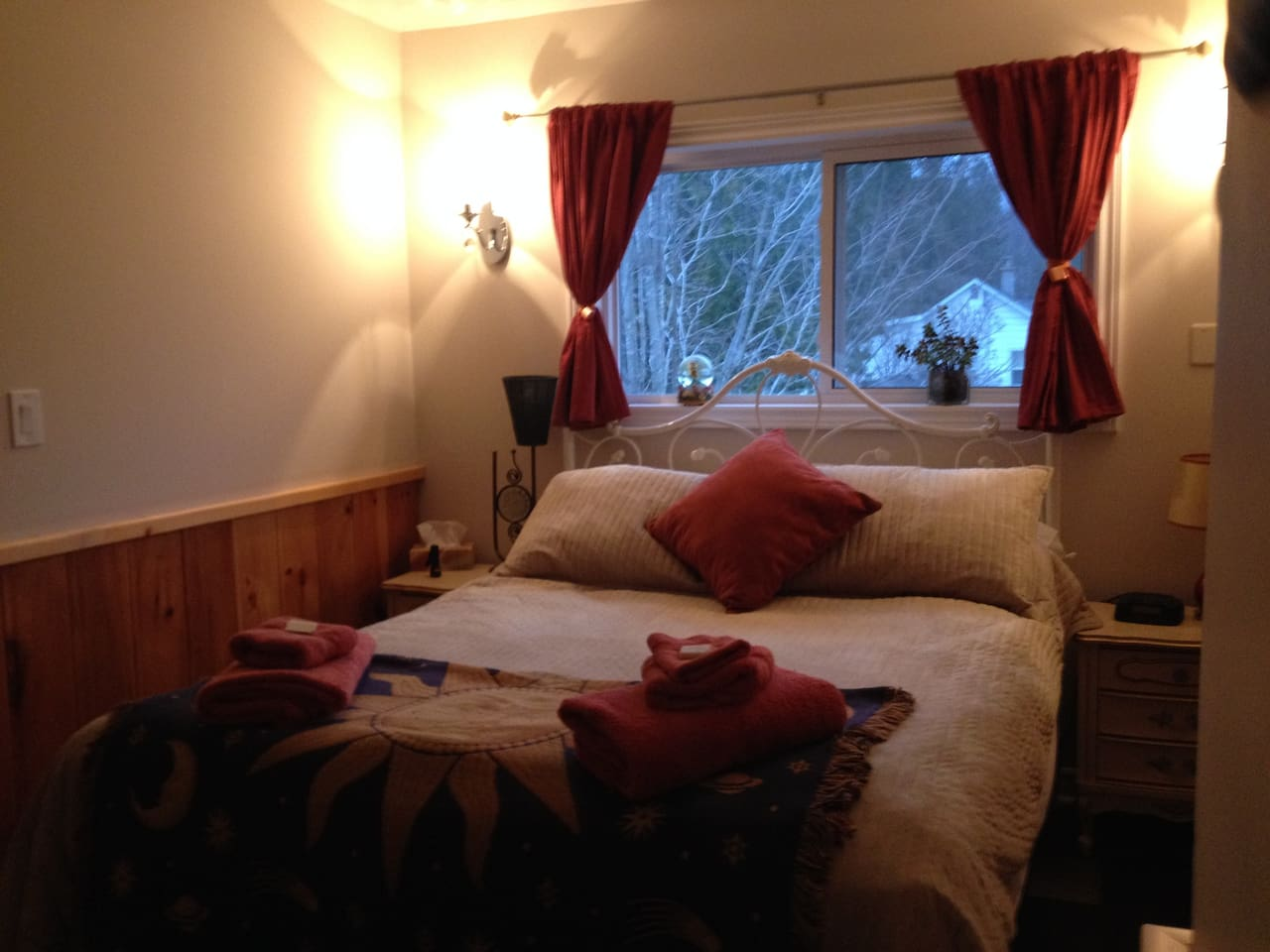 The Moon Room has a moodier vibe. It features a queen sized bed as well.