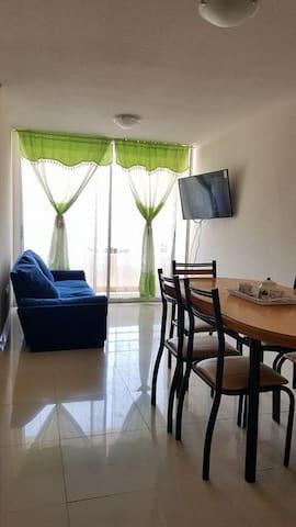 Apartamento + estacionamiento; vacaciones/negocios - Alto Hospicio - Daire