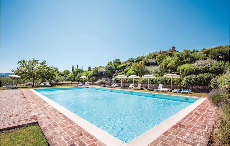 Holiday apartment with 2 bedrooms on 70m² in Casole d'Elsa SI
