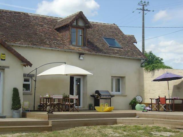 Maison  Ensoleillee - Gesnes-le-Gandelin - House