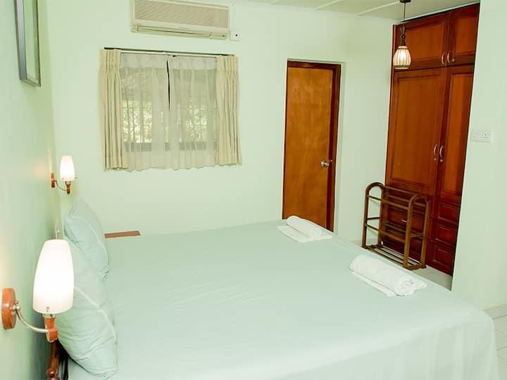 Standard Double Room @ Villa Shade Negombo