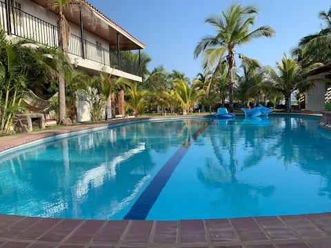 Casa frente al mar con piscina privada/ocean front