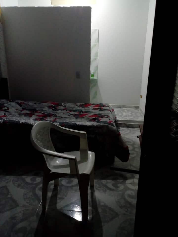 habitación privada con baño cerca al terminal
