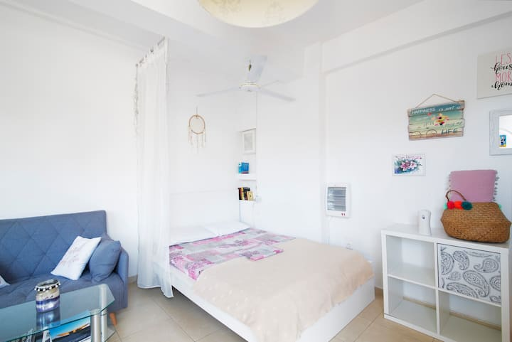 Boho chic studio.Near airport & Rafina port &beach