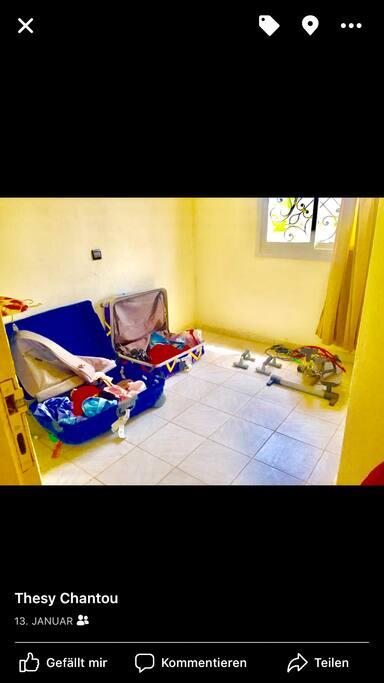 3. Zimmer ohne Bett, hier kann man Bügeln oder auch Sport treiben