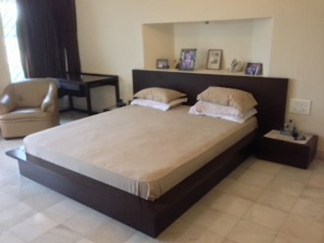 Conveniently located room - Pune - Bed & Breakfast