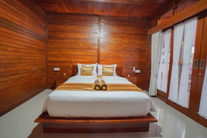 Comfortable private cottage with pool&breakfast