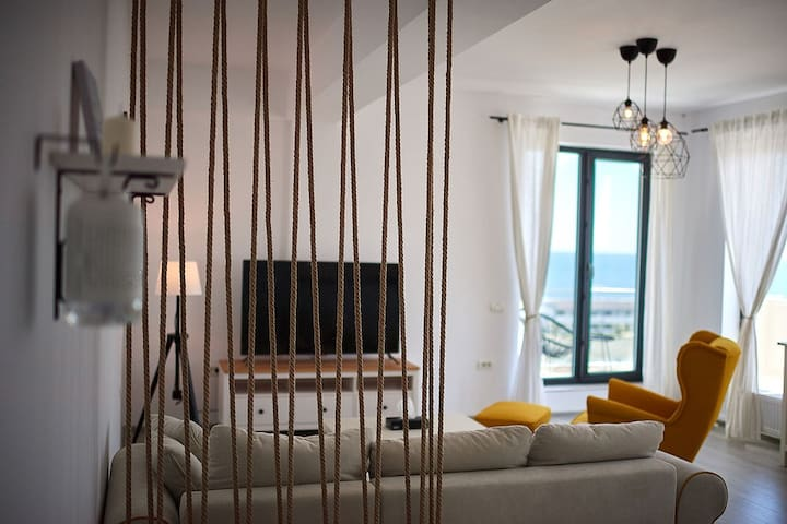 Coco Boutique Sea View Apartment