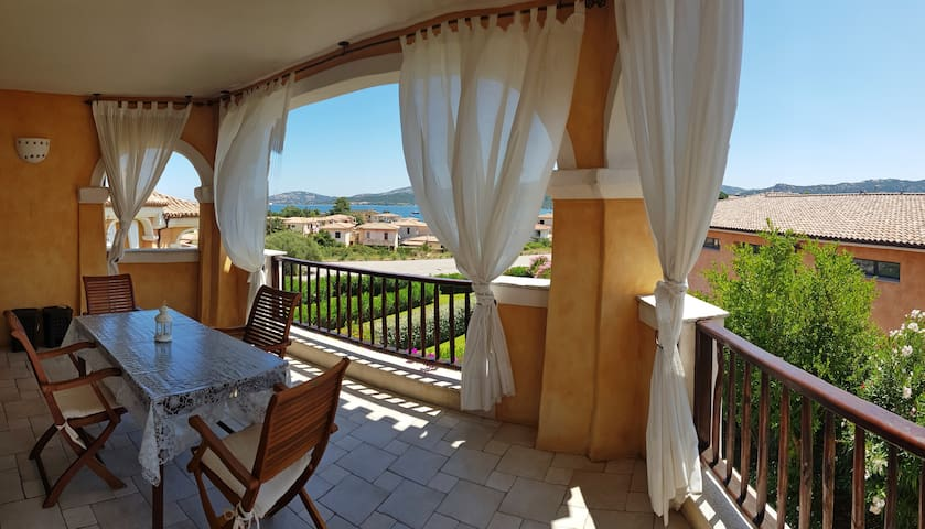 Terrace with sea view at 400 m from the beach!