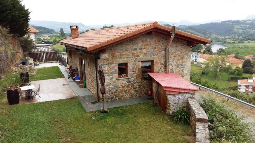 LA ULTIMA DE LA FILA - Limpias - Casa