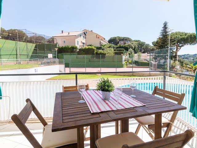Appartement moderne, piscine et tennis, à 5 minutes de la mer
