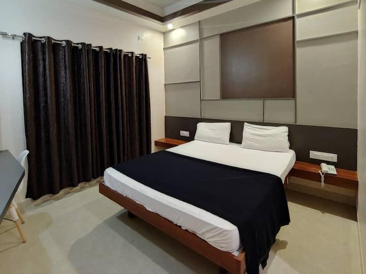 Budget hotel @ GandhiNagar, Majestic - Non/AC Room