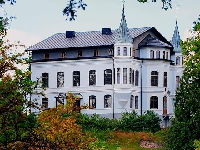Hägerstad slott, lake front fairytale castle