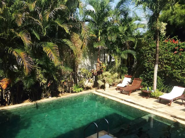 Beautiful large Tropical 4 bedroom Villa with pool - Mengwi - House