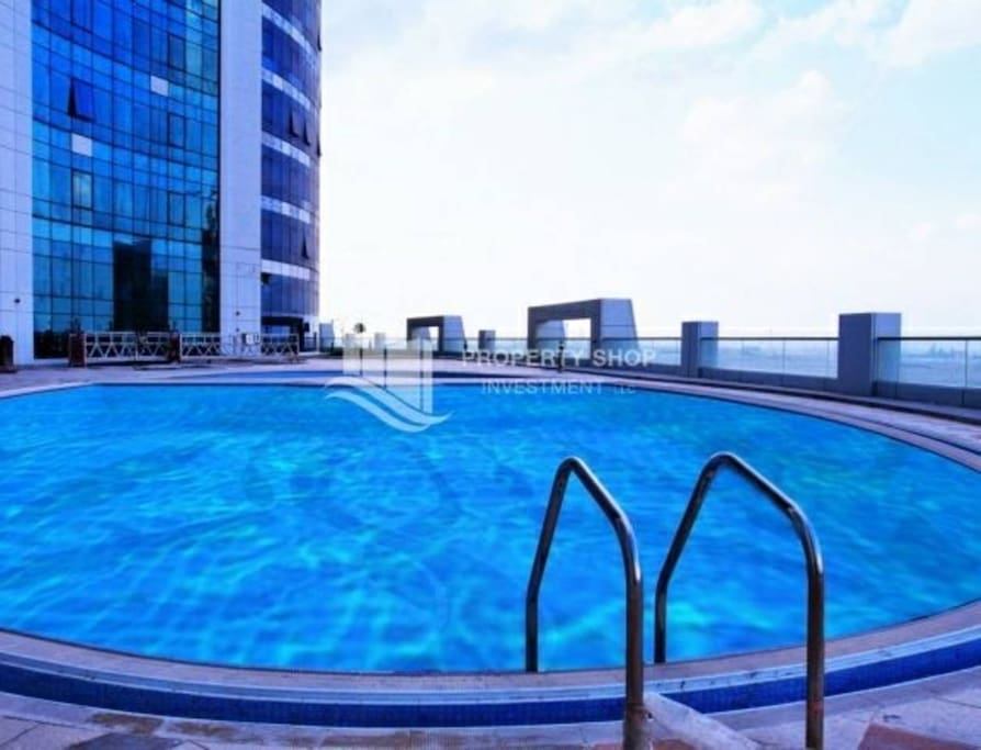 Pool working times from 6 am to 10 pm