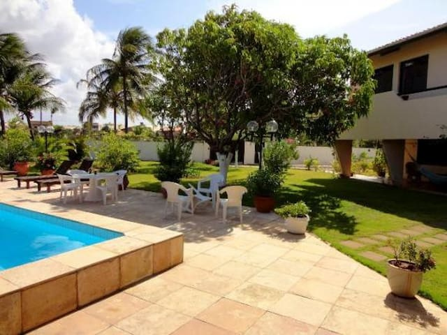 Cumbuco Beach - Big house, spacious garden, pool